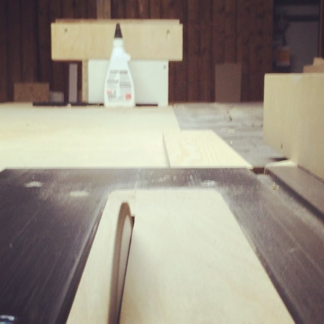 Cutting a big piece of pine plywood for an interior project. I hope it will be finished on the weekend. #woodworking #plywood #pine #interiordesign #video #tablesaw