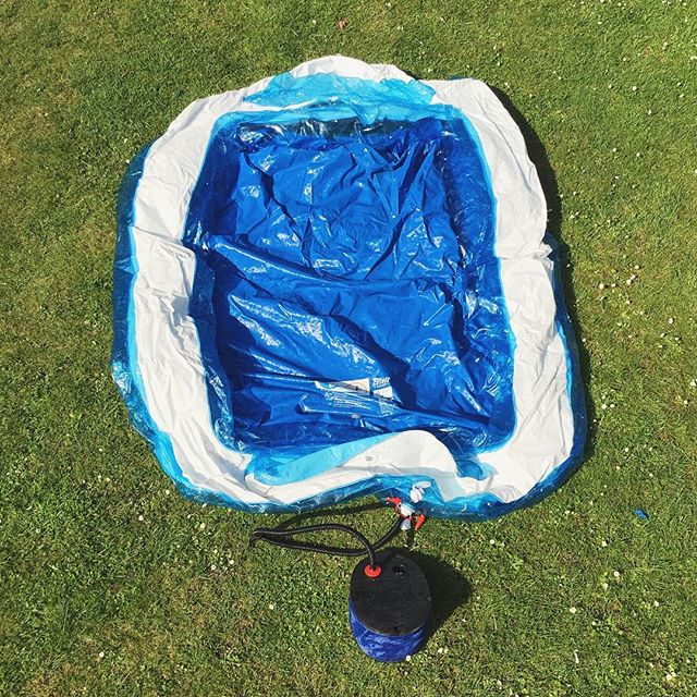 Back to life in 2016. The paddling pool.--#paddlingpool #sunnyday #kids #outdoors  #vsco